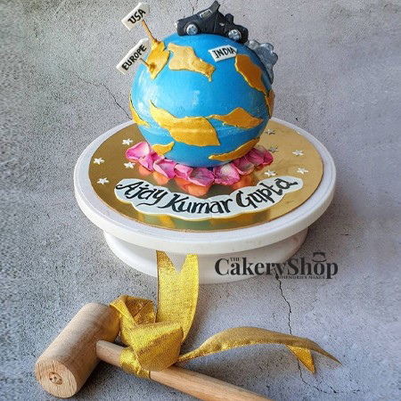 Bon Voyage Pinata Cake